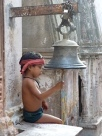 Enfant à la cloche, india